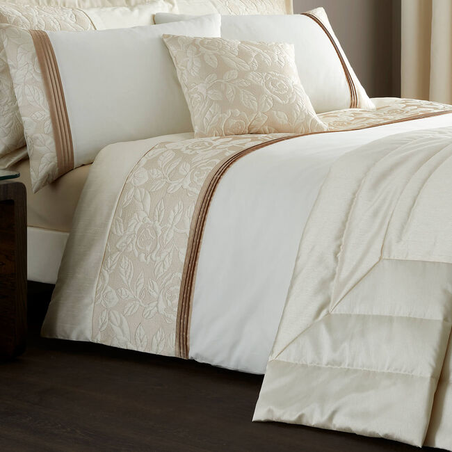 DOUBLE DUVET COVER Quilted Rose Cream base/Gold