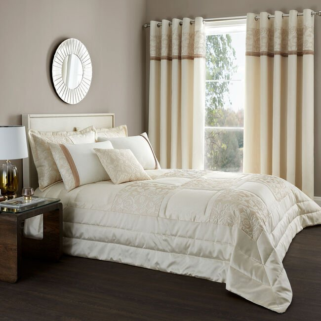Quilted Rose Cream & Gold Bedspread