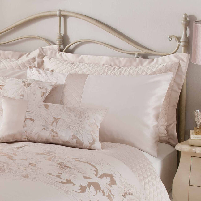 Classical Floral Pillowshams 50x75cm - Cream