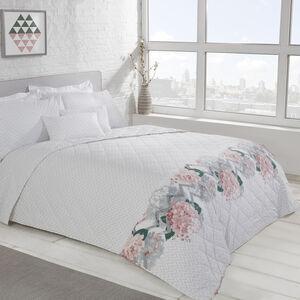 Hydrangea Zig Bedspread