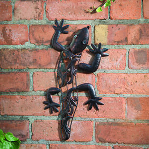 Small Gecko Hanging Wall Art