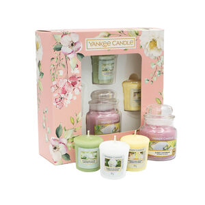 Yankee 3 Votives and 1 Small Jar Gift Set